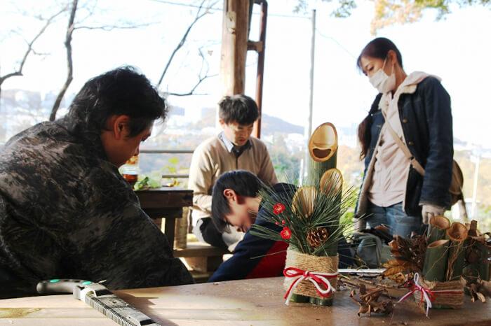 親子みんなで健康づくり!「竹間伐とミニ門松づくりin いなぎめぐみの里山」