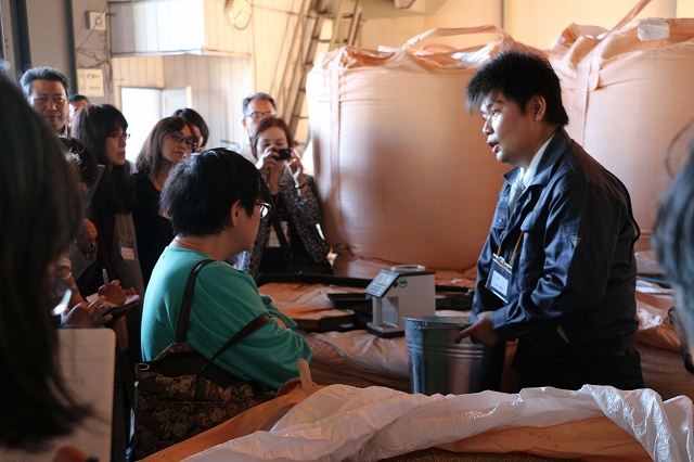 「農事組合法人トキワ養鶏公開確認会」を開催 | 飼料米の取り組みやクリーンな鶏舎内などを確認