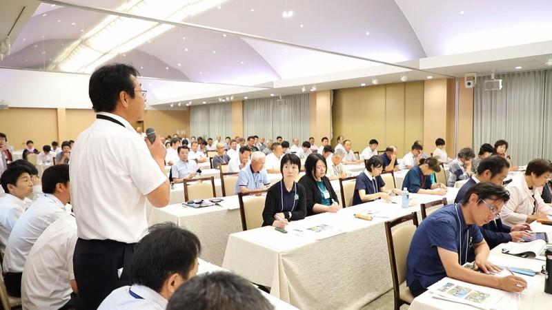 生産者、監査人をはじめ128名もの参加者が一堂に会しました。