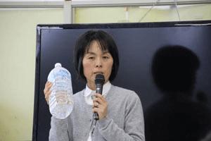 1ヶ月にも及ぶ避難生活を振り返り、「体力」「薬」「水」が大事と訴える佐藤理事